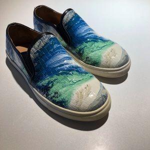 Steve Madden Blue Ebony Slip Ons size 7 M